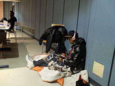 Des demandeurs d'asile, qui occupaient l'amphithéâtre G de l'Université Grenoble-Alpes ont été relogés provisoirement dans des locaux sur le campus.
