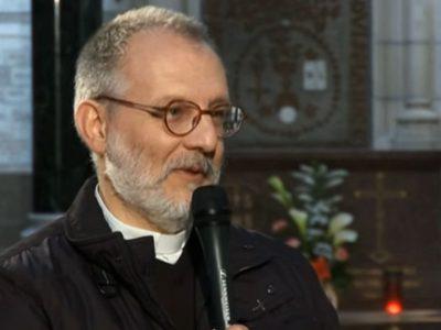 Consternation et polémique, la classe politique locale réagit à l'assassinat du prêtre Olivier Maire en Vendée