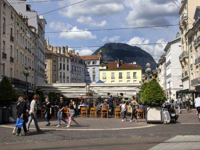Terrasses des restaurants de la place Grenette, Grenoble © Chloé Ponset - Place Gre'net