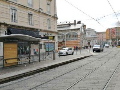 Place-Sainte-Claire-Grenoble-couv