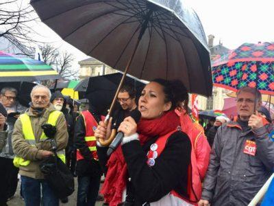 Rassemblement syndicats sur la place de Verdun, lundi 2 mars 2020 .© Ambre Croset