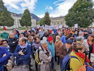 Près de 300 personnes étaient rassemblées place de Verdun à l'occasion de la Journée nationale des aidants familiaux. © Joël Kermabon - Place Gre'net
