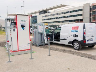 Les 21 véhicules se rechargent en hydrogène auprès des stations d'Air Liquide à Sassenage, et à Grenoble sur les sites de Symbio FCell et du CEA. © Pierre Jayet