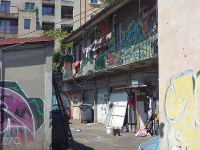 Bidonville Jean-Macé: la Ville de Grenoble propose la mise à disposition d'un bâtiment pour héberger les familles