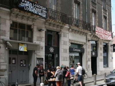 Squat-rue-jay-une