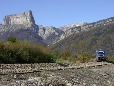 Le collectif de défense de la ligne ferroviaire Grenoble-Gap tire la sonnette d'alarme et appelle au rassemblement samedi 14 octobre.