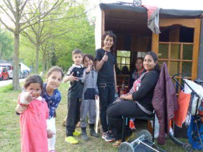 Des migrants albanais, macédoniens et serbes ont établi un campement dans le parc Valmy.