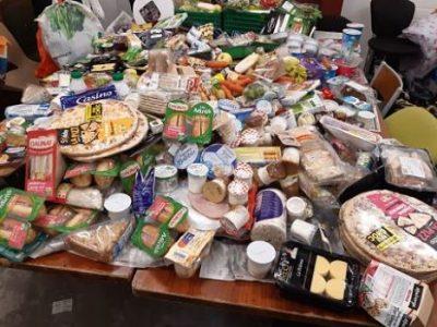 UNE Aliments jetés dans les poubelles de supermarchés et récupérés par les glaneurs de la Fratrie des glaneurs solidaires grenoblois, avant le confinement crédit DR