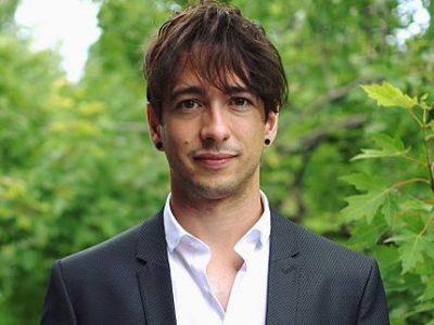 UNE Jonathan Durand Folco, auteur de l'essai