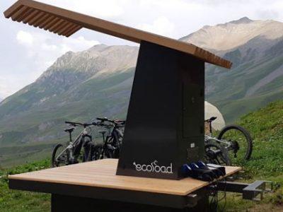 Station de recharge solaire pour vélos électriques Ecoload concours Inosport 2019. DR