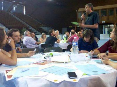 Un collectif d'habitants propose un projet sur la salle de la Magnanerie, lors d'une réunion sur le budget participatif de Grenoble le 20 juin 2015. © Union de quartier Île-Verte