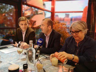 De gauche à droite : Pascal Garcia, Matthieu Chamussy et Bernadette Cadoux. © Joël Kermabon - Place Gre'net