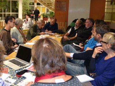 La première conférence de rédaction participative du Crieur, le 5 novembre 2014 au café le Barathym. © B. Glaise