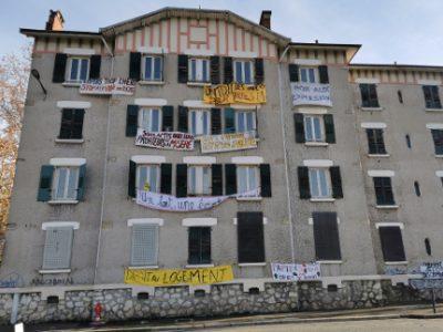 L'immeuble occupé par des mal-logés dans le quartier de l'Abbaye. © Joël Kermabon - Place Gre'net