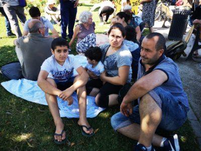 Parmi les familles remises à la rue, un couple d'arméniens et leurs deux enfants. © Joël Kermabon - Place Gre'net