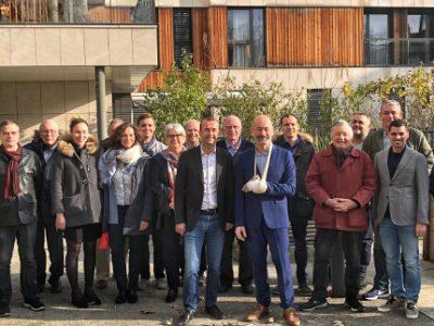 Au centre Matthieu Chamussy et Stéphane Gemmani entourés de quelques membres du collectif. © Grenoble 2020 nous rassemble