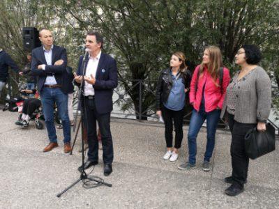 Éric Piolle et trois des porteuses du projet