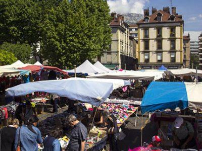 UNE Marché sur la place Saint Bruno, Grenoble © Chloé Ponset - Place Gre'net