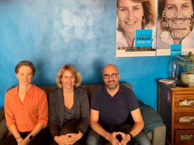 De gauche à droite: Delphine Bense, Émilie Chalas et Arnaud Beaumont. © Modem Isère