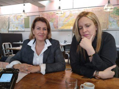 Émilie Chalas et sa colistière Sandra Beltras lors de la présentation des mesures pour la culture à Grenoble. © Joël Kermabon - Place Gre'net