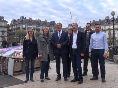 Le groupe Les républicains - UDI et Société civile. © Joël Kermabon - Place Gre'net
