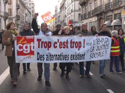 Banderole de t^te de cortège. © Joël Kermabon - Place Gre'net