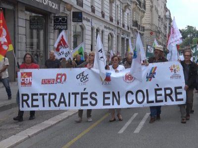 À l'appel de neuf syndicats et pour la troisième fois en moins d'un an, les retraités sont à nouveau descendus dans la rue ce jeudi 14 juin à Grenoble© Joël Kermabon - Place Gre'net