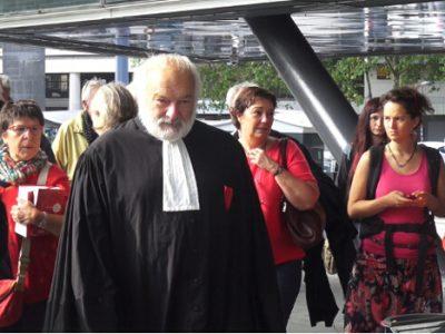 Me Bernard Ripert à son arrivée au palais de justice de Grenoble. © Joël Kermabon - Place Gre'net