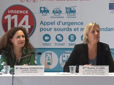 De gauche à droite : Monique Sorrentino, directrice du CHU de Grenoble et Sophie Cluzel, secrétaire d'État en charge des personnes handicapées. © Joël Kermabon - Place Gre'net