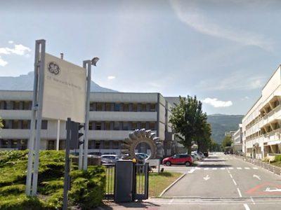 Éric Piolle, le maire de Grenoble a adressé un courrier à Emmanuel Macron afin qu'il s'implique sur le dossier de GE Hydro où 345 postes sont en jeu..Suite au rachat en 2015 de la branche énergie d'Alstom, General Electric envisage de supprimer 345 emplois dans sa filiale GE Hydro à Grenoble.Suite au rachat en 2015 de la branche énergie d'Alstom, General Electric envisage de supprimer 345 emplois dans sa filiale GE Hydro à Grenoble.Siège de General Electric Renewable Energy à Grenoble. © Google