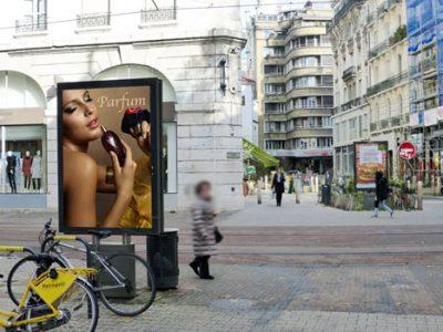 Sucette Decaux dans le centre-ville de Grenoble. © Ville de Grenoble