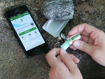 Pour trouver la géocache, il suffit de se munir d'un smartphone ou d'un appareil GPS. © Geocaching.com
