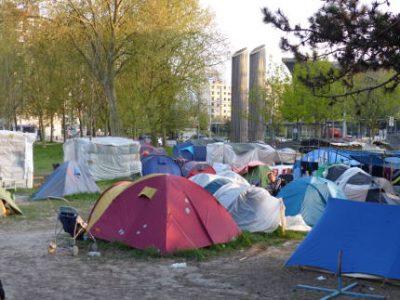 Suite à la demande d'expulsion du Camp Valmy déposée par la Ville devant le tribunal administratif, un collectif adresse une lettre ouverte à Éric Piolle.Le camp Valmy, occupée par une centaine de migrants des Balkans, est menacé d'expulsion.