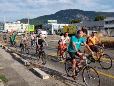 Tempovélo arrêtée: les pro-vélos râlent à St-Martin-d'Hères.Les associations ADTC, Rue de l'Avenir et Les Boîtes à Vélo Grenoble montent au créneau contre la suppression de la tempovélo de Saint-Martin-D'Hères