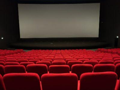 Cinémas : Une salle de cinéma vide Pathé Chavant