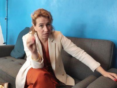 Expurgée, la loi censée défendre le bien-être animal, dont l'examen a été reporté, fait réagir la députée de l'Isère Emilie Chalas.