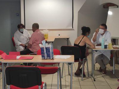 Le Secours catholique et la Ville de Grenoble partenaires pour vacciner les plus précaires