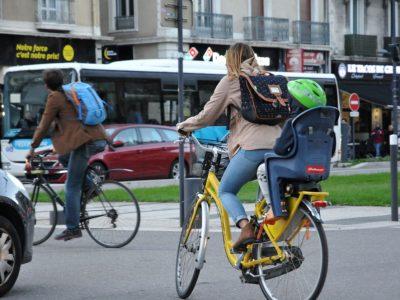 velos-siege-enfant-voitures-Grenoble-C-Muriel-Beaudoing